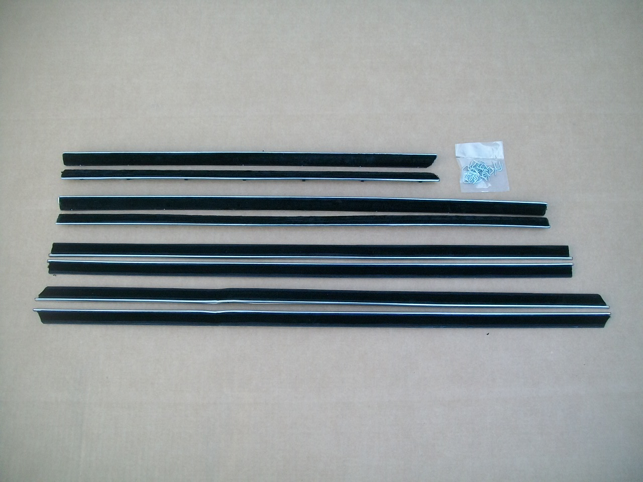 65-68 DODGE/CHRYSLER C BODY 4 DR HARDTOP COMPLETE SET BELT CATWHISKERS
