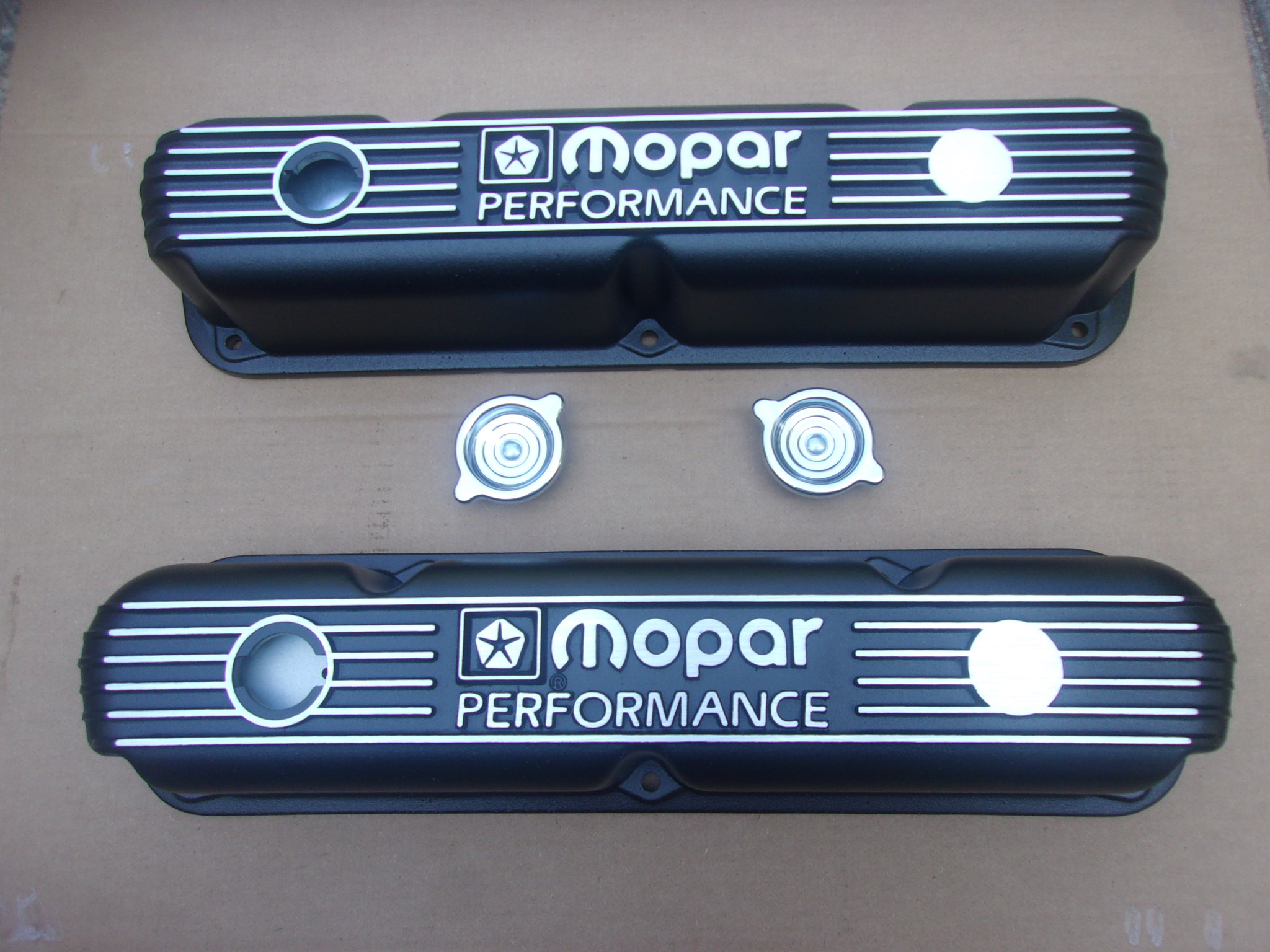 SMALL BLOCK MOPAR PERFORMANCE VALVE COVERS