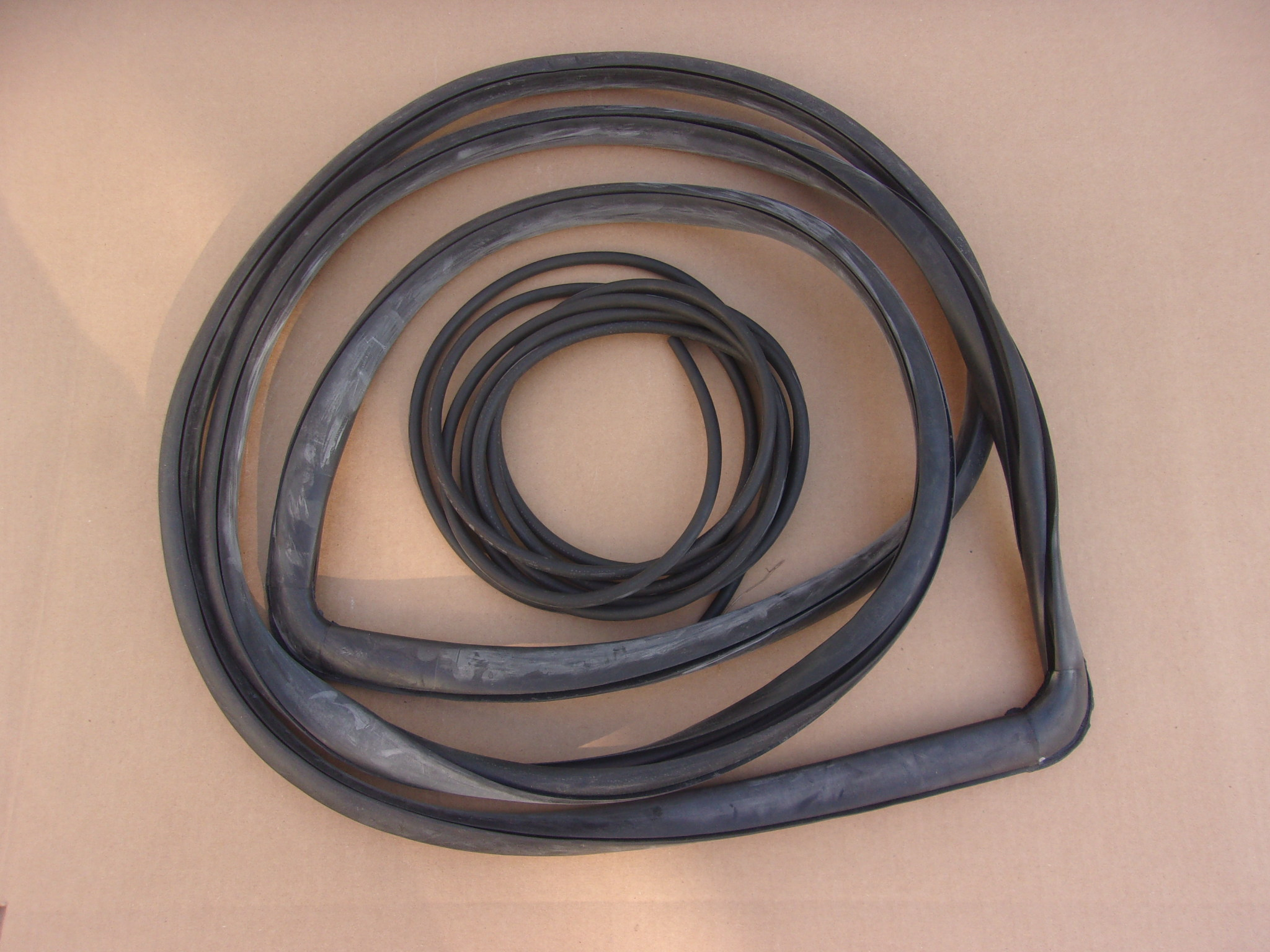 54-60 DODGE PICKUP WINDSHIELD GASKET