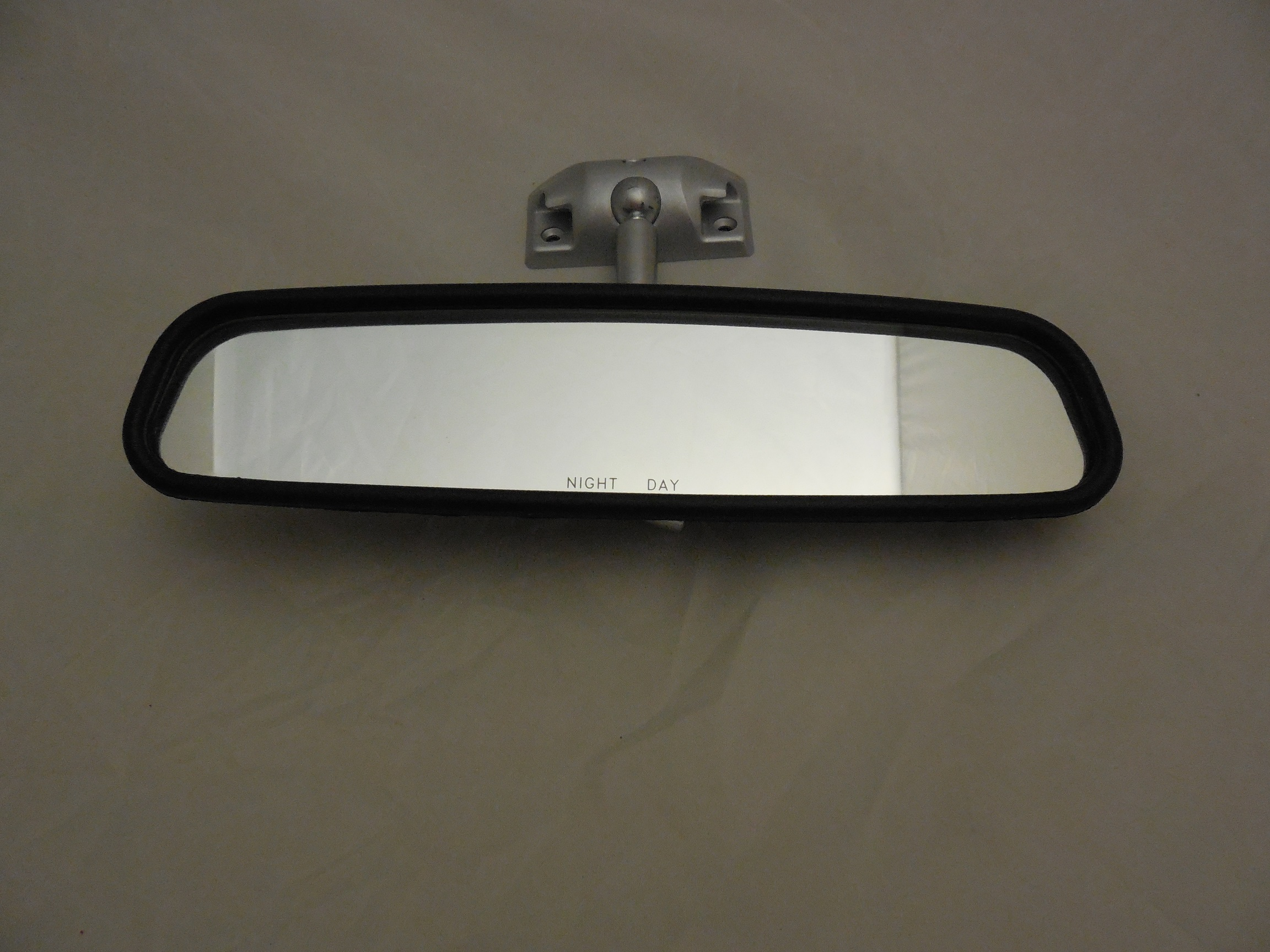 68-70 B, 70 E & 70 A BODY REAR VIEW MIRROR
